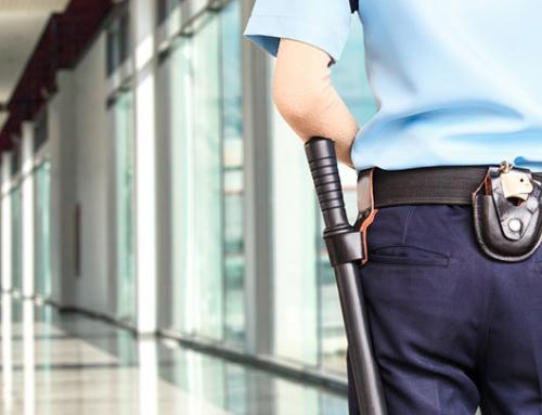 La empresa que gestiona la seguridad de los edificios municipales no aplica la nueva subida del Salario Mínimo Interprofesional