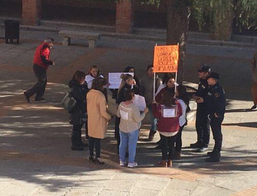 Tras la convocatoria de una huelga, el Ayuntamiento paga tres de las cuatro nóminas que se adeudan a las trabajadoras de Ayuda a Domicilio